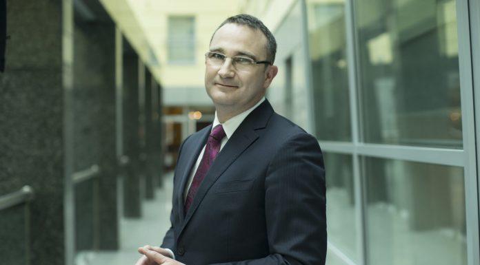 Alexis Lacroix – prezes eurobanku