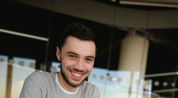 Dmitriy Akulov – autor komentarza