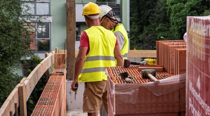 praca budowa