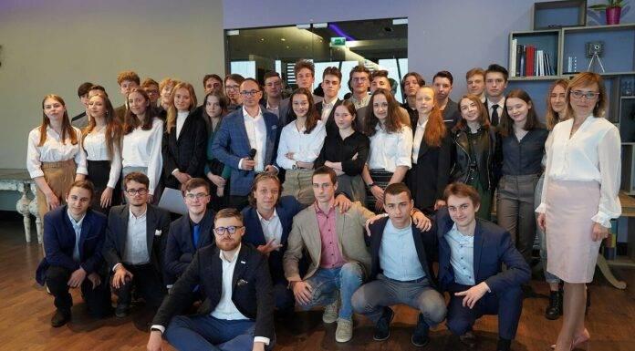 Biznes rozwija mentoring młodzieży