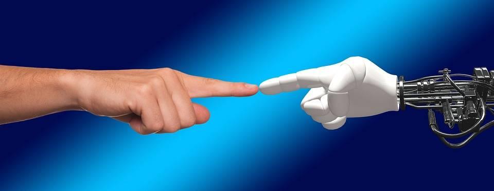 robot i czlowiek