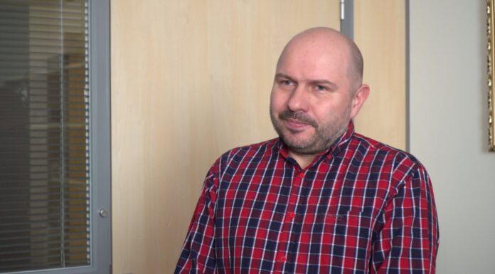 Prof. Jacek Jemielity: Szczepionki mRNA przeciw koronawirusowi są bezpieczne i