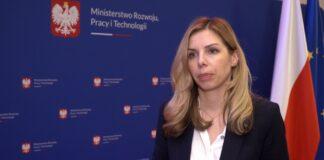 MRPiT: Planowane złagodzenie przepisów o budowie wiatraków na lądzie pozwoli